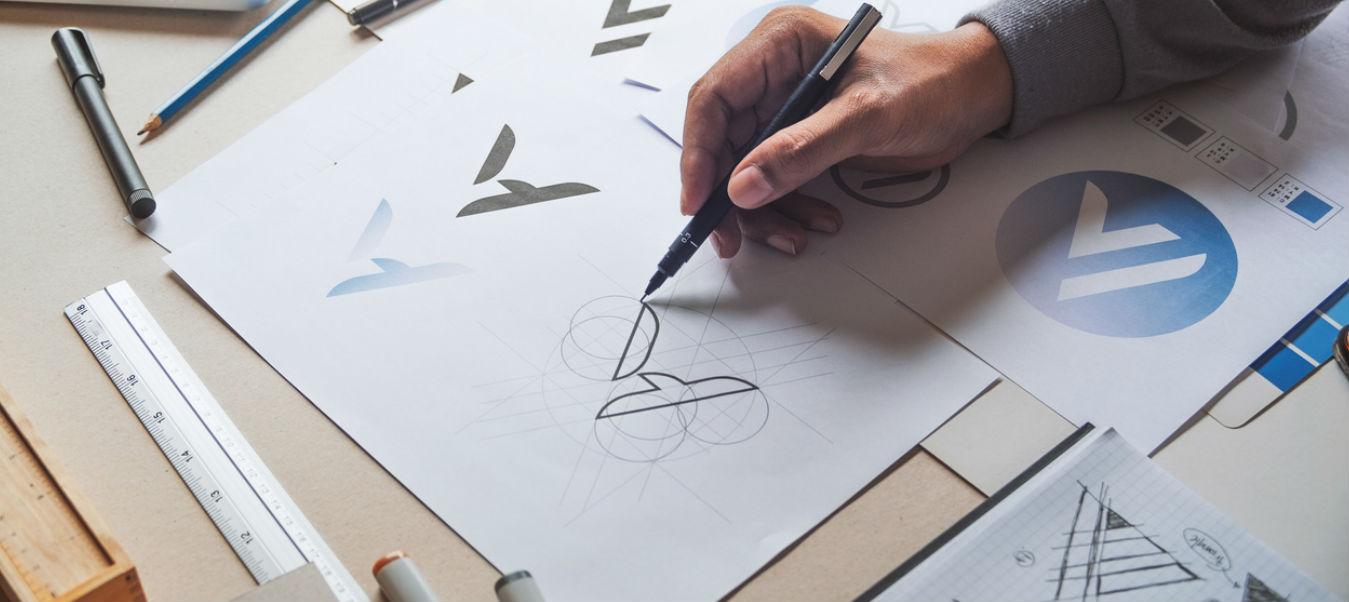Aplique tendencias en diseño para maximizar la utilidad de su etiqueta